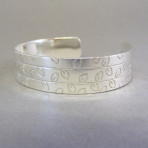 Linear Leaf Etched Open Bangle